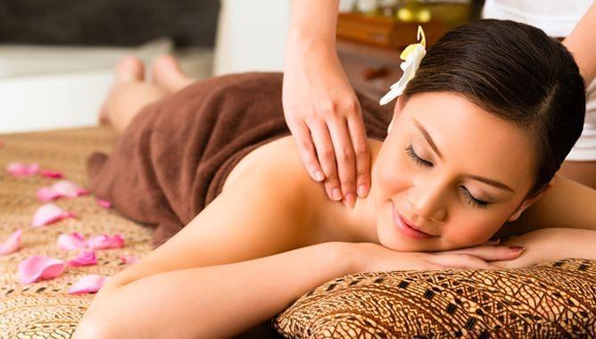 Как сделать антицеллюлитный массаж в домашних условиях