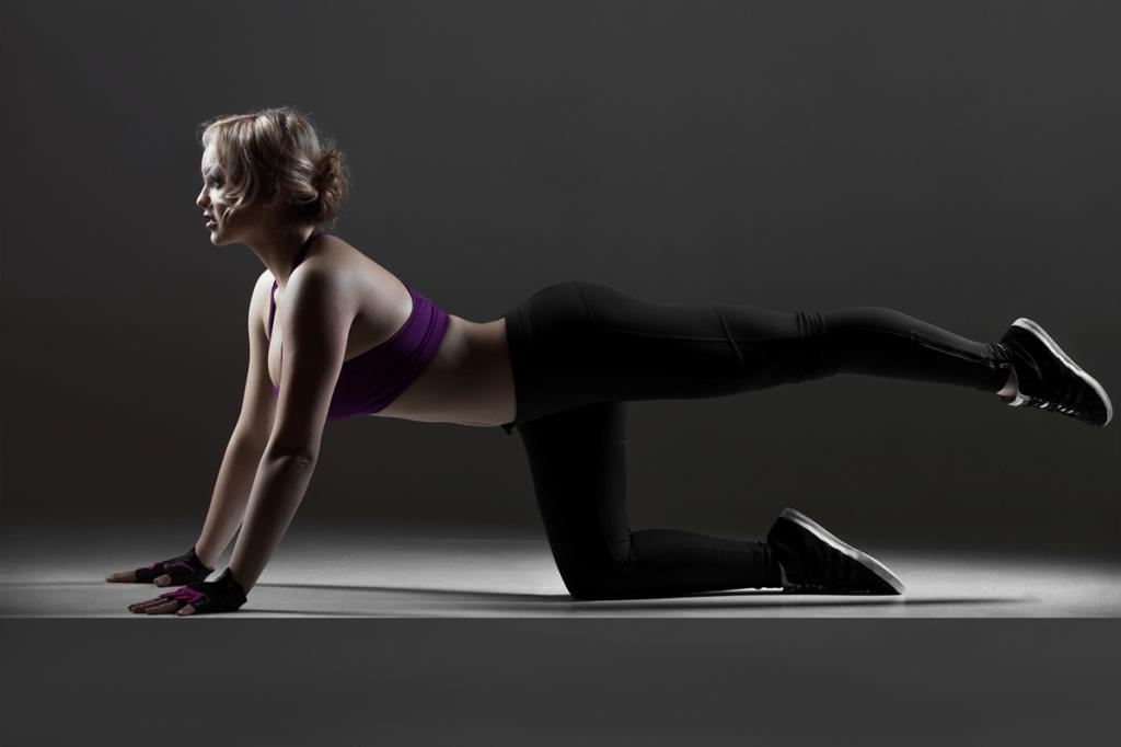 Задняя поверхность бедра: упражнения в домашних условиях
