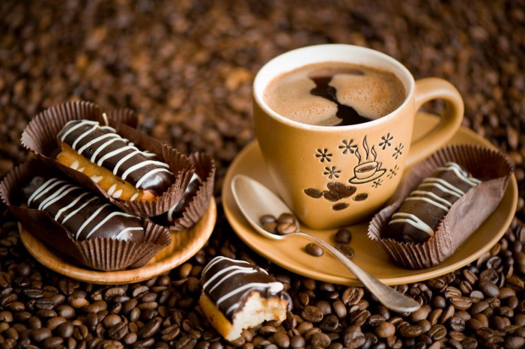 Сколько калорий в чашке кофе с молоком